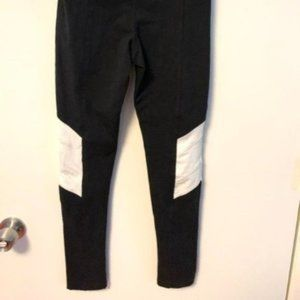 UO Out From Under Crop Colorblock Leggings